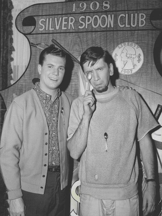 Dwayne Hickman as 'Dobie Gillis' & Bob Denver as 'Maynard G. Krebs' in The Many Loves Of Dobie Gillis (1959-63, CBS)