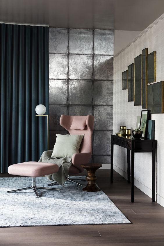 Elle Decoration UK // Greenwich Peninsula, Featuring: Albemarle Albery wallpaper. Photographer, Ben Anders