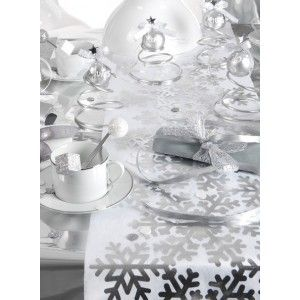 chemin de table flocon de neige argent intiss blanc tables. Black Bedroom Furniture Sets. Home Design Ideas