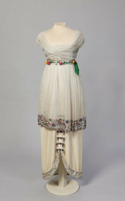 Evening Dress - Decembre 1913 - by Paul Poiret (French, 1879-1944) - Kremlin Museum: Kremlin Museum, 1910 S, Vintage Fashion, 1900 1919, 1900 S, Paul Poiret, 1900 1920, Vintage Clothing