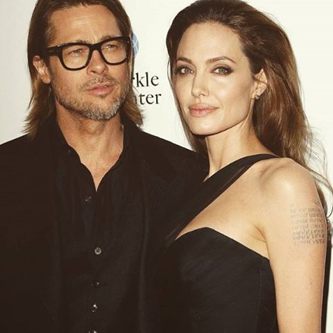 """""""I'm a woman, and anytime you tell a woman that she looks nice, it's not going to upset her."""" - Angelina Jolie"""