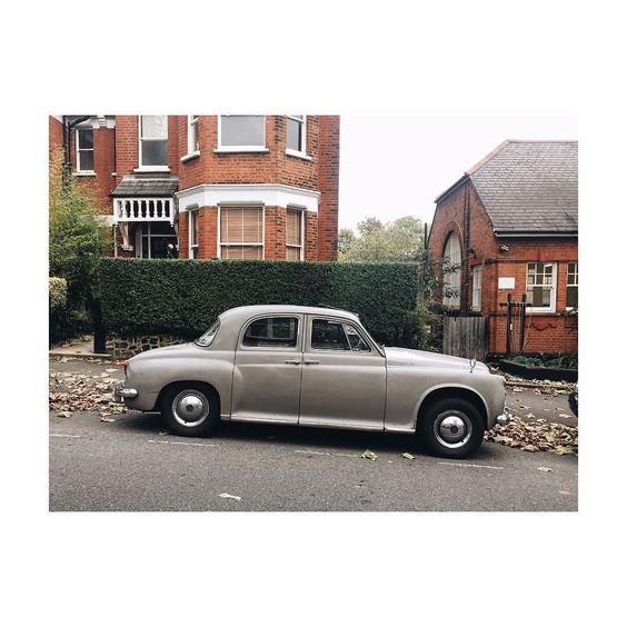 Suburban Rover. #vintage #carporn #rover105s #rover #cars