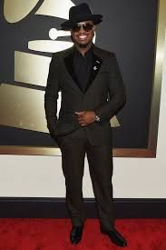 Ne-Yo was the musical award in Los Angeles (USA) with black suit designer Marc Jacobs