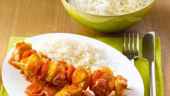 Hähnchen-Schaschlik mit Tomaten-Zwiebelsauce