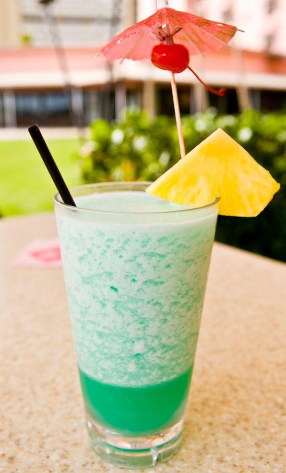 Blue Hawaii @ Mai Tai Bar in the Royal Hawaiian Hotel, Honolulu, HI.: Dream Vacation, Drinks Yummmmm, Honolulu Drink