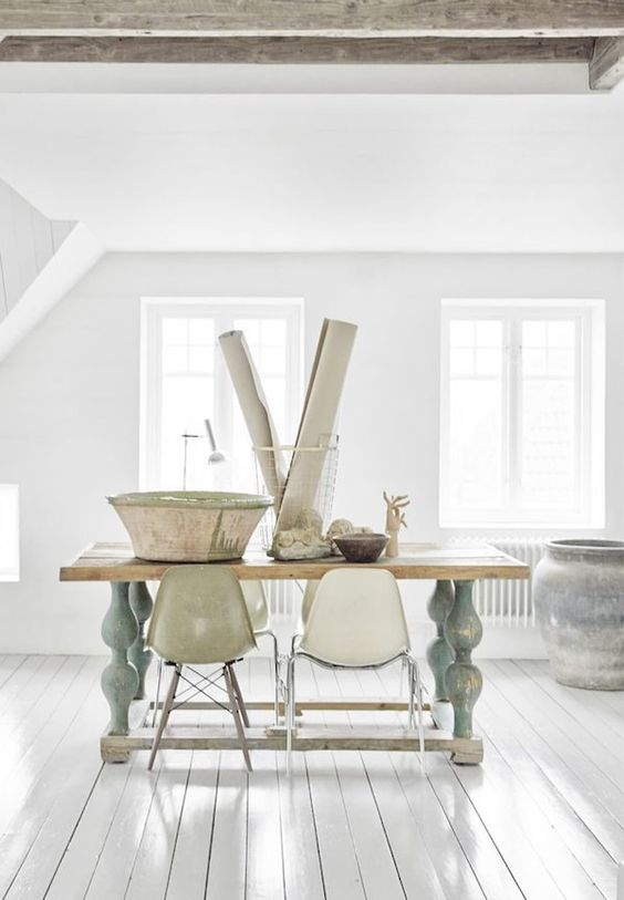 An old Swedish home with fresh white and ethnic touches. Birgitta Drejer / Sisters Agency.