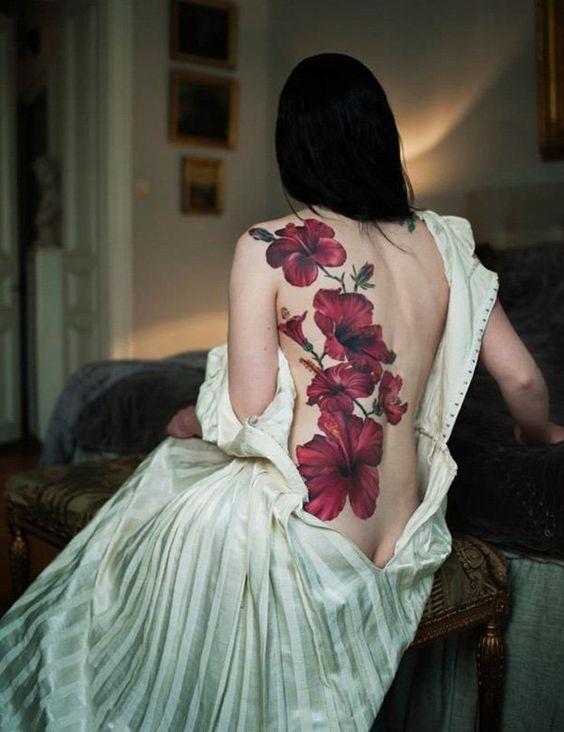 Tatuagem de Flor | Costas Feminina: