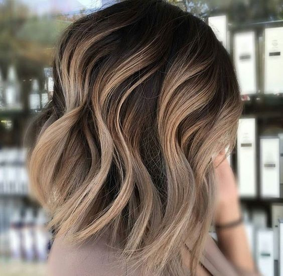 Wavy Lob Hair Styles With Thick Hair Ombre Shoulder Length Haircuts For Women Carmel Blonde Hair Short Wavy Hair Hair Styles