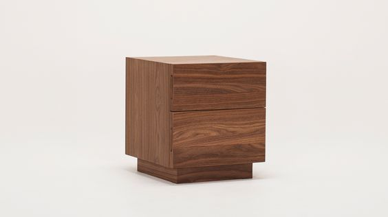boom_end_table_walnut_corner.jpg