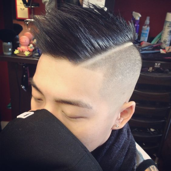 Mens haircut. Faded sides. Asian hair. Hardpart.