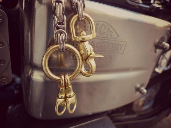 Wallet Chain-17 by Carajillo Bob