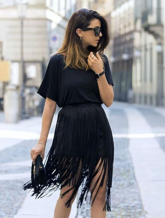 all black everything | tee + clucth + rassel skirt