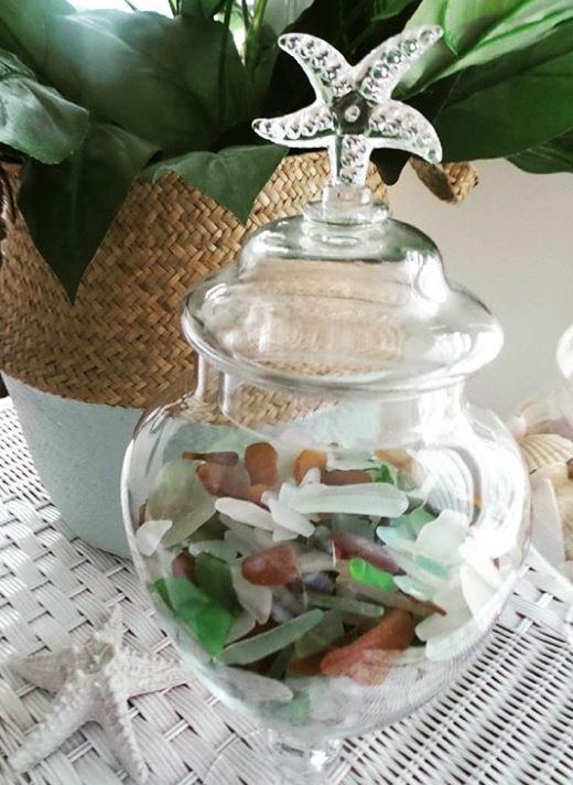 14 Vessels To Display Collected Seashells In 2020 Sea Glass Decor Coastal Christmas Decor Sea Shells