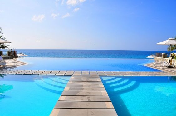 Infinity pool on the ocean.  I'll take it:)