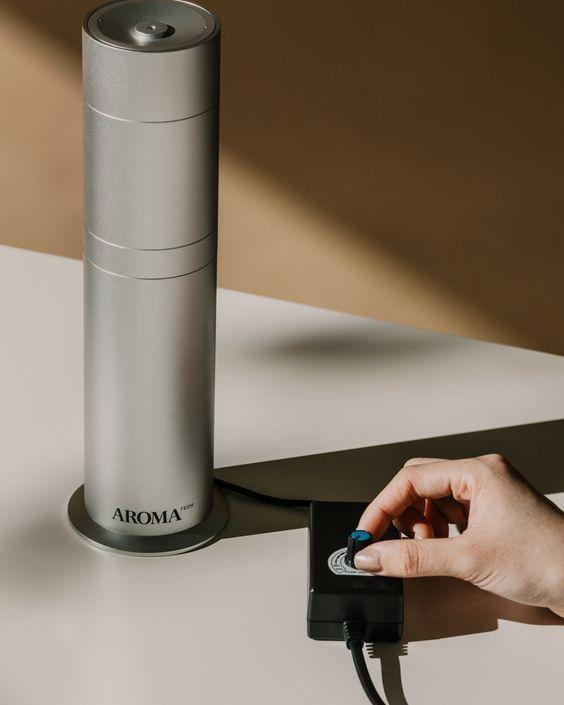 Aromatech Aromini Nebulizing Scent Diffuser In 2020 Aroma Oil Diffuser Fragrance Diffuser