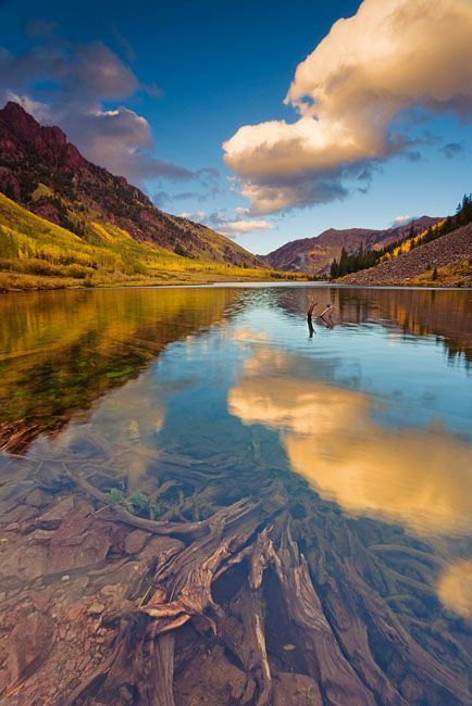 Maroon Bells, Snowmass Wilderness, Colorado (CO), USA - wow look how clear that water is