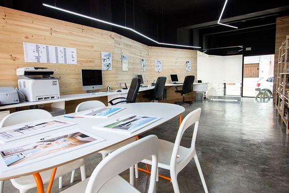 Valencia on pinterest for Oficinas minimalistas