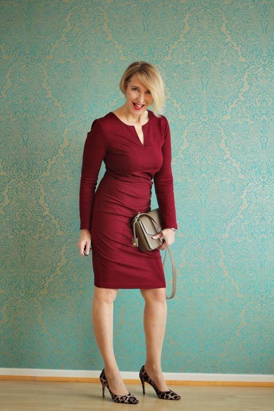 Business Kleidung für die Frau http://www.amco-fashion.com/  Dress: Amco-Fashion Bag:Furla Shoes: Latouche
