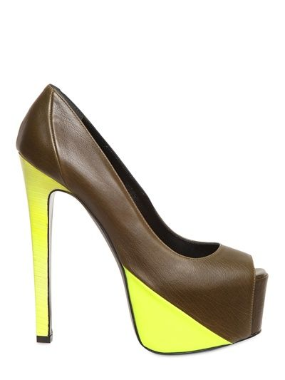 Two-tone shoes
