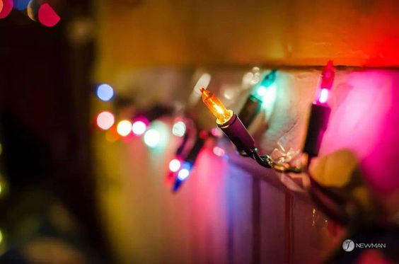 My friend Shanon took this great shot of Christmas lights