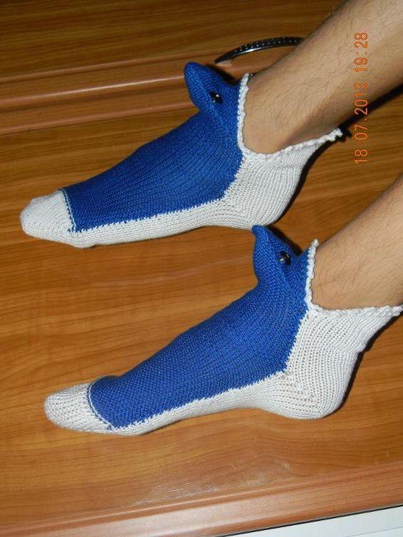 Knitting: shark socks Knitting Pinterest Sharks, Knitting and Shark socks