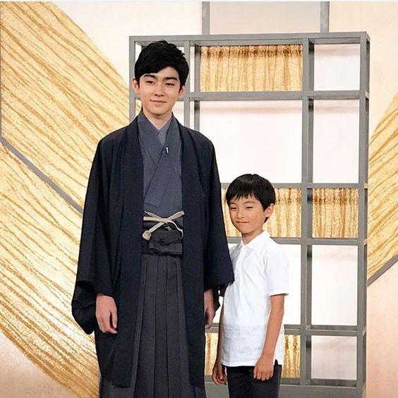 将来のスターとツーショットの八代目市川染五郎のかっこいい画像