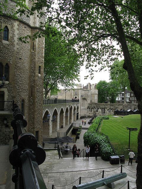 Grounds of The Tower of London, a historic castle on the north bank of the River Thames in central London. It was founded towards the end of 1066 as part of the Norman Conquest of England. The White Tower, which gives the entire castle its name, was built by William the Conqueror in 1078, and was a resented symbol of oppression, inflicted upon London by the new ruling elite.