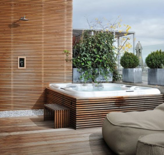 jacuzzi on rooftop terrace jacuzzi op dakterras. Black Bedroom Furniture Sets. Home Design Ideas