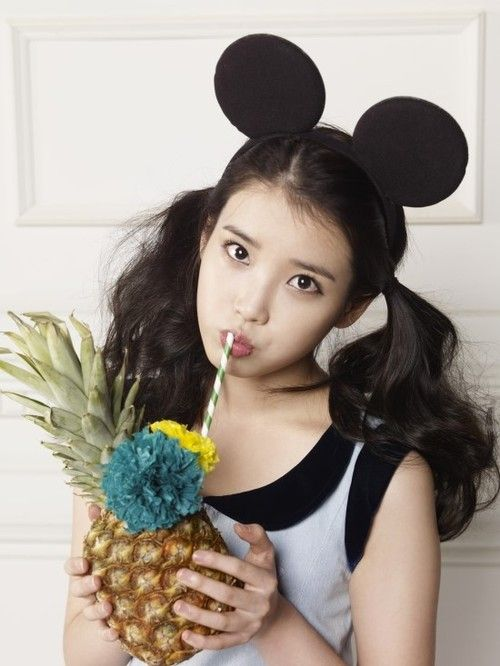 iu drinking pineapple