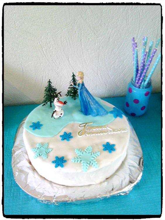 anniversaire reine des neiges birthday frozen frozen gateau reine des neiges pate a