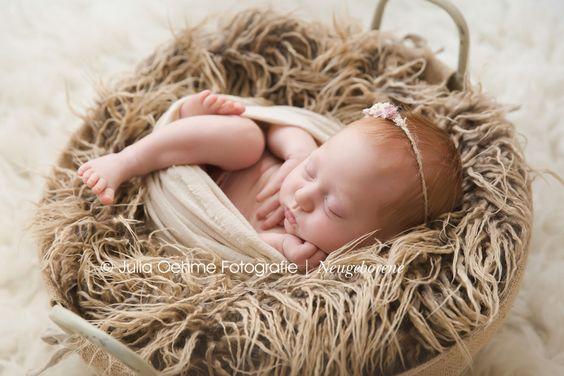 neugeborenensession-babyfotos-newbornfotos-mädchen-13-tage-modern-baby-fotos-fotostudio leipzig julia oehme (7)