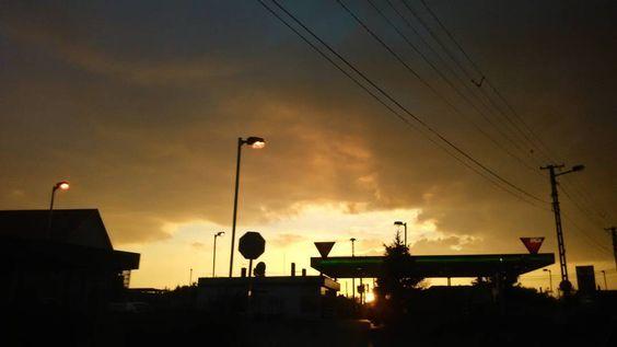 #today #sundown #amazing #photography #black #lights #photooftheday #autumn #october #ig_shotz #hdr_pics #skyporn #cloudporn #goodtime #instaphoto #mik #ikozosseg #ig_hun #hungary #city #instadaily by viraaag___