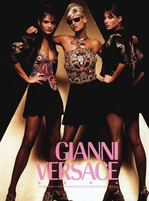 #fashion #adcampaigns #versace #lindaevangelista #christyturlington #helenachristensen #vintageversace #gianniversace #vintage #supermodels #hot