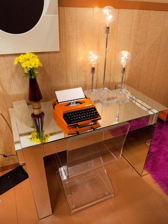 Kris's 1970s Desk Nook