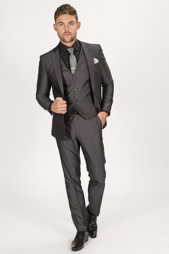 Suit up in style with this dapper and on trend charcoal tonic skinny fit three…
