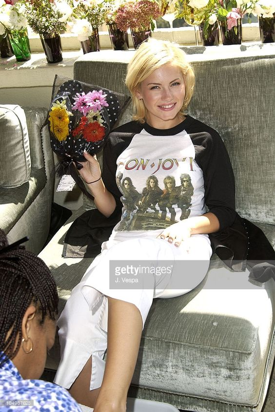 Elisha Cuthbert getting a pedicure from Barrielle Therapy and the Paint Shop