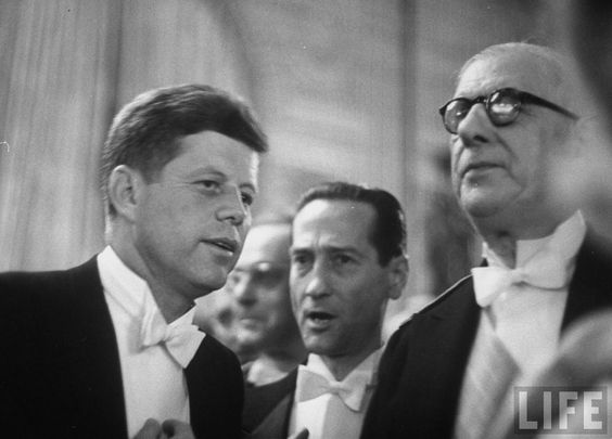 Pres. John F. Kennedy with Pres. Charles DeGaulle. Location:Paris, France Date taken:1961 Photographer:Paul Schutzer
