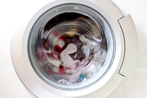 Enlever l'excédent de détergent dans la machine à laver