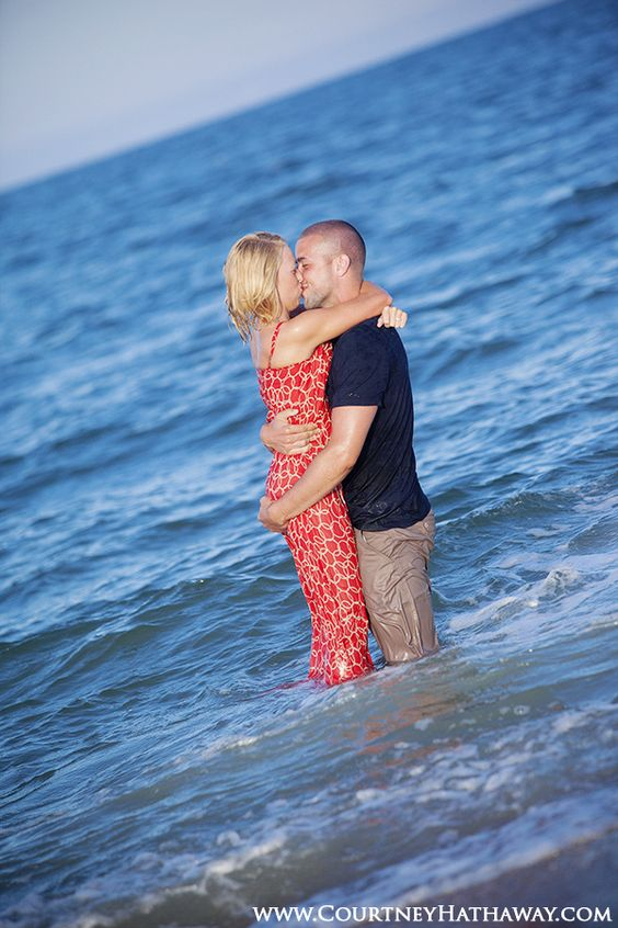 Outer Banks Beach Engagement Photos, Beach Engagement Photos, Outer Banks Wedding Photography, Outer Banks, OBX, OBX Weddings, Beach Weddings www.courtneyhathaway.com
