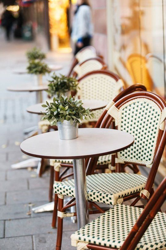 Here's a Great, Overlooked Source for Inexpensive Outdoor Furniture