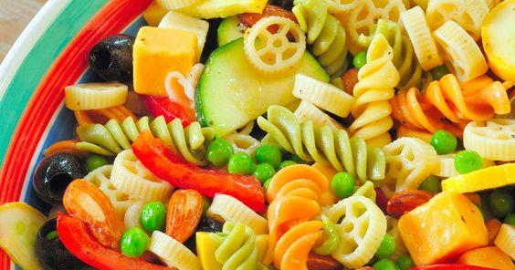 http://www.chooseveg.com/pasta-salad lecker - bunter Nudelsalat