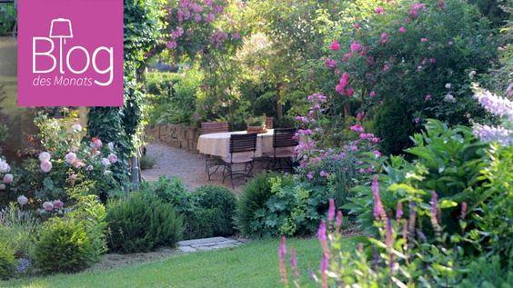 Was einst trist und leer war, ist nun ein Gartenparadies von 800qm! Schau dir die tolle Entwicklung und die wunderbaren Garteninspirationen in unserem Blog des Monats an! #einschweizergarten #gardening #garten #gardeninspiration #gardendiy