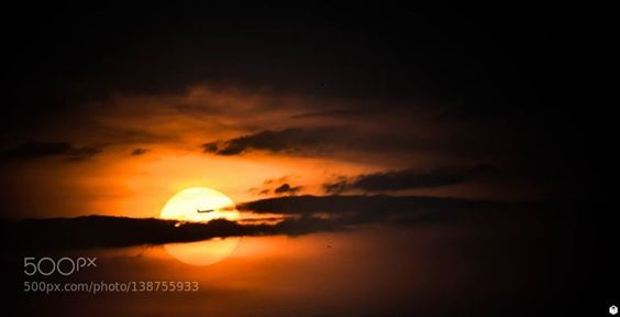 Lucky Sunset http://ift.tt/1PwaAJe clouddarkdayduskflylightluckyorangeplaneskysunsunsettelezoom