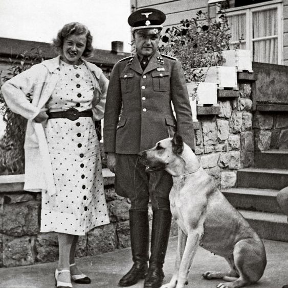 "Ilse Koch, ""la Bruja de Buchenwald"" 8c6c0f13afd42fee6befce1bcc142dd6"