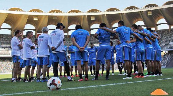 """Selección Colombia espera un rival más """"competitivo"""" http://bit.ly/1OPUQjn #OigoLAFm"""