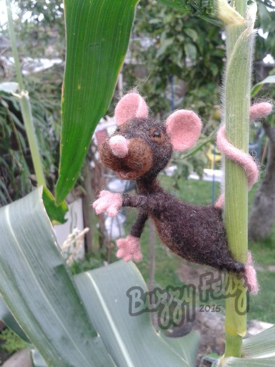 Mouse in the corn needle felt mose by Gemma Bee