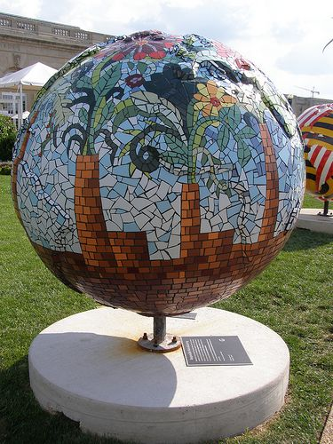 Mosaic globe with flowers