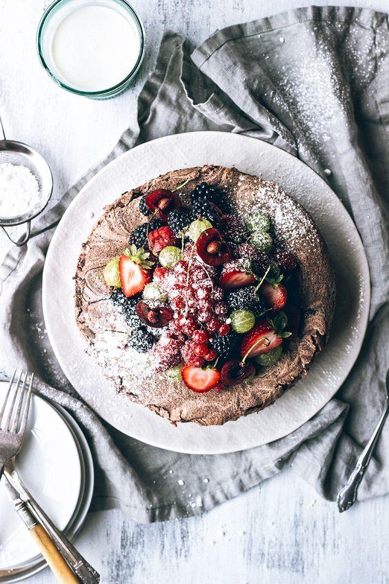 chocOlate meringue cake with fresh berries
