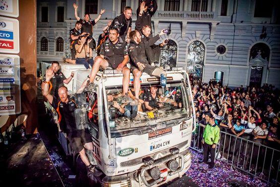 Race2Recovery Team Dakar 2014 celebrations