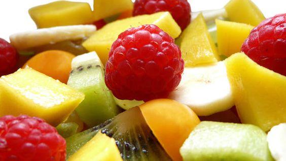 'Öko-Test' prüft Obstsalat to go: Wie gut sind die vermeintlich frischen Obstbecher wirklich? - real Testsieger